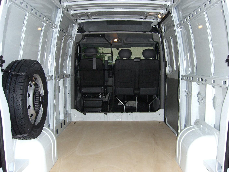 vehicule utilitaire ce sainte marie clermont ferrand. Black Bedroom Furniture Sets. Home Design Ideas